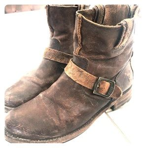 Brown leather Fry Boots
